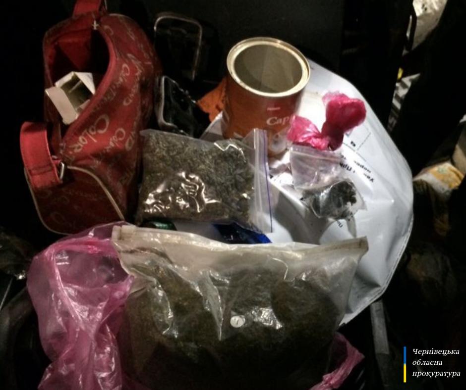 На Буковині викрили групу наркоторговців, серед яких – інспектор поліції